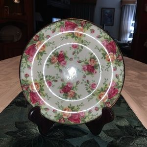 "Old Country Roses Classic III 8"" Salad Plates"